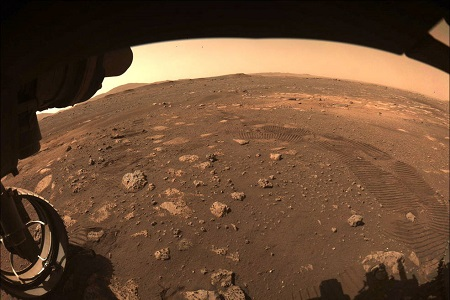 Perseverance drives on Mars' terrain for first time - SatelliteProME.com